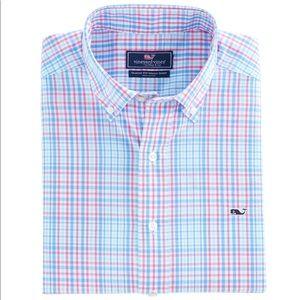 🐳 VINEYARD VINES// Men's Button Down Whale Shirt